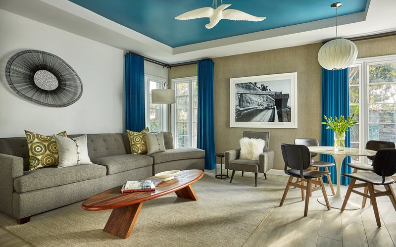 bi_level_bungalow_living_room_492305_standard.jpg