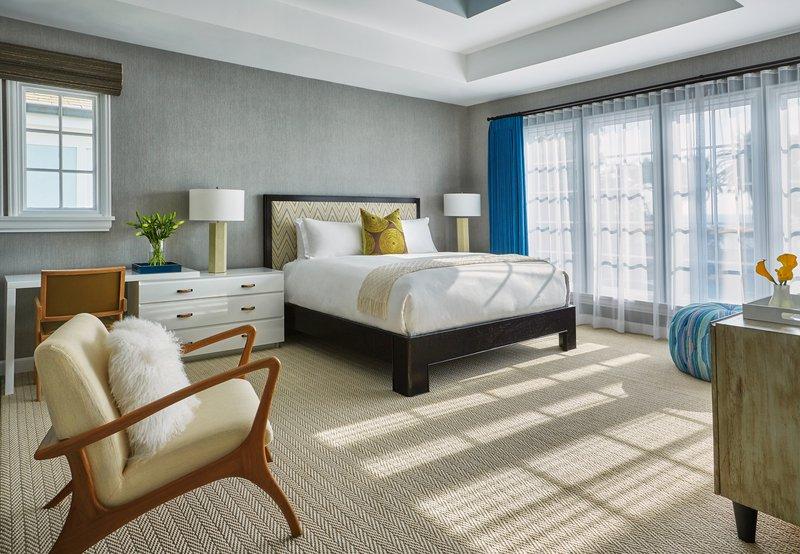 bi_level_bungalow_master_bedroom_492307_standard.jpg