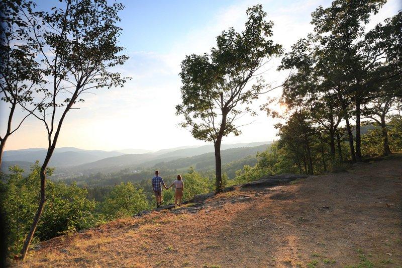 hikingmtntom.jpg
