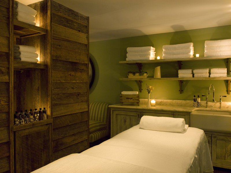 cowshed_bed_2.jpg