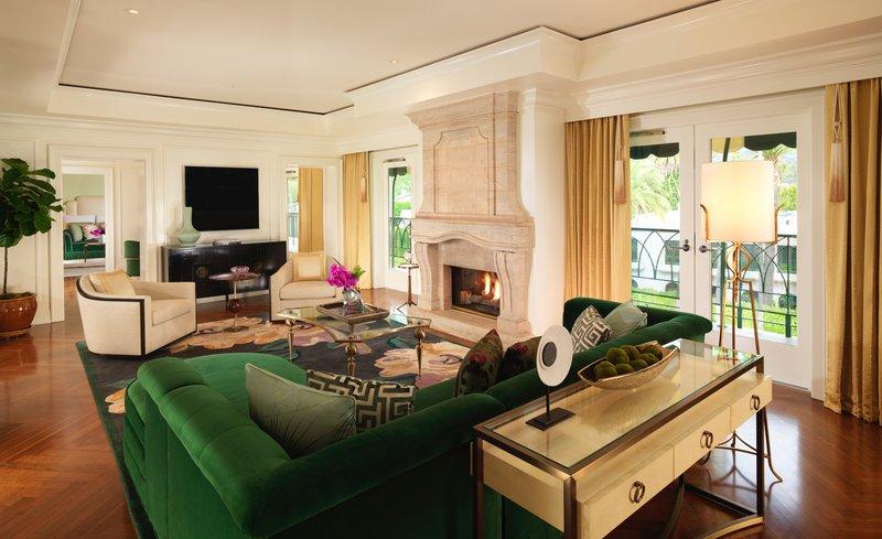 h5pe8_78284748_presidential_suite_living_room.jpg