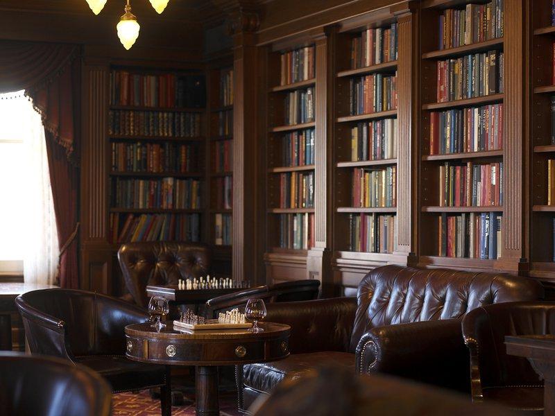 pw_dining_lounge.jpg