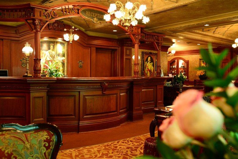 pw_hotel_lobby.jpg