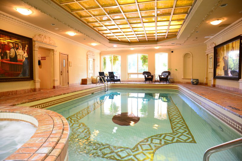 pw_hotel_pool.jpg