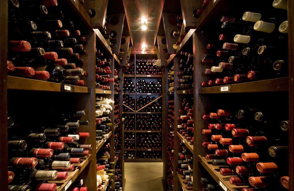 Wine Tasting Prohibition Style