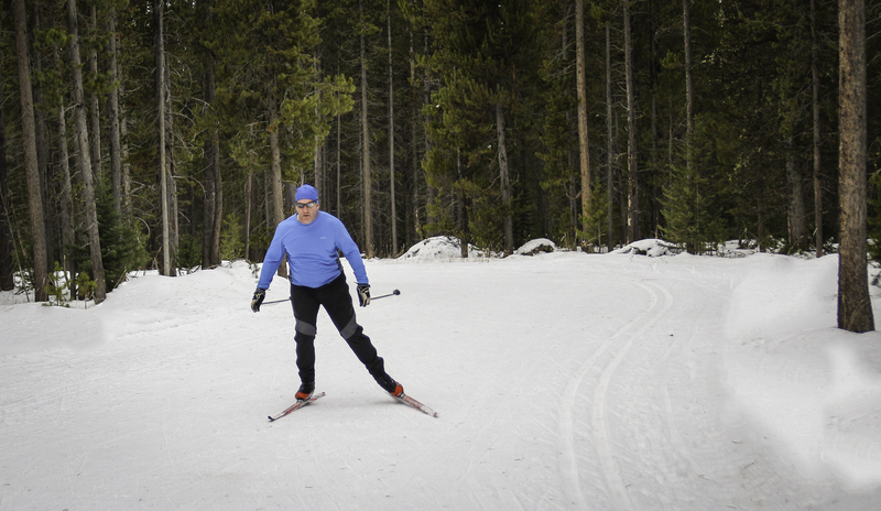 yellowstone-cross-country-skiing-2.png