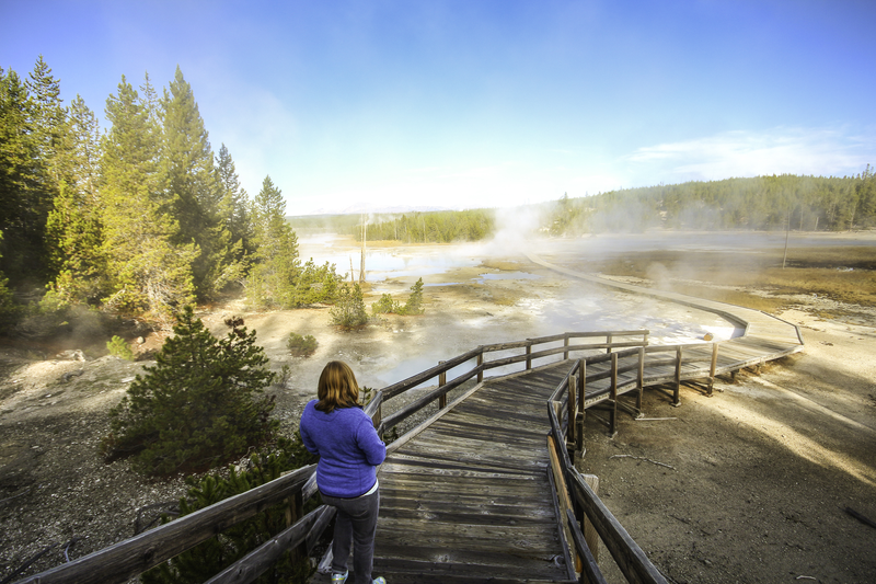 yellowstone-geyser-boardwalk.png