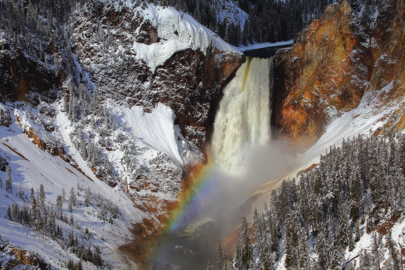 yellowstone-winter-lower-falls.png