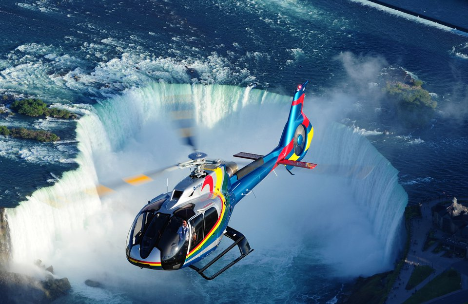 Helicopter Over Niagara Falls & Vineyard Lunch