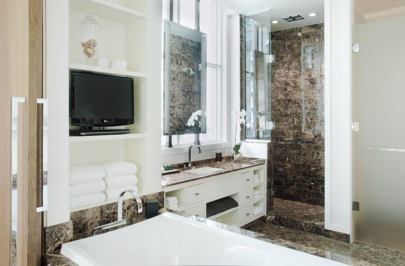 loden_halo_penthouse_master_bathroom.jpg
