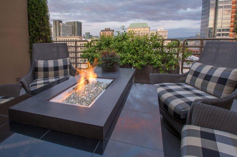 terrace_suite_fire_pit_sentinel_portland_oregon.jpg