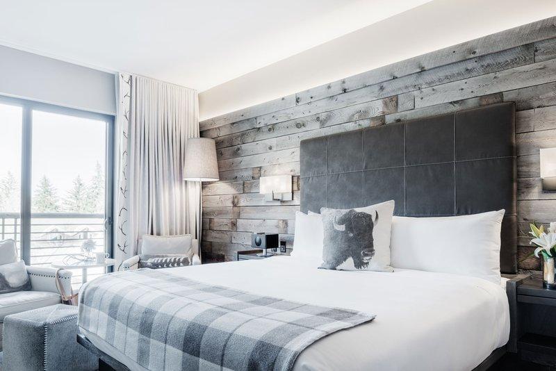 king-premium-bed-terrace.jpg