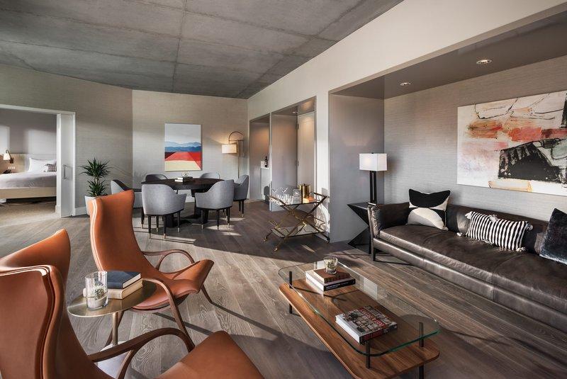 phxms_81760568_camelback_presidential_suite_living_room.jpg