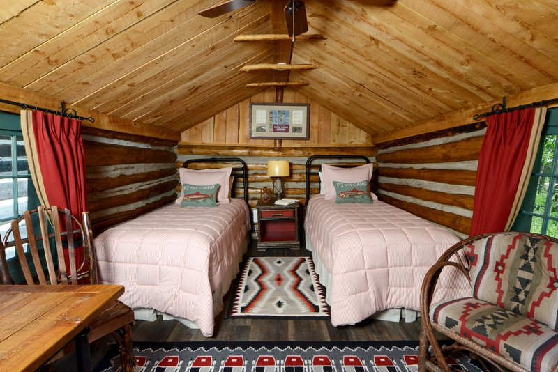 bwe_fishingcamp_cabin_interior_twins.jpg