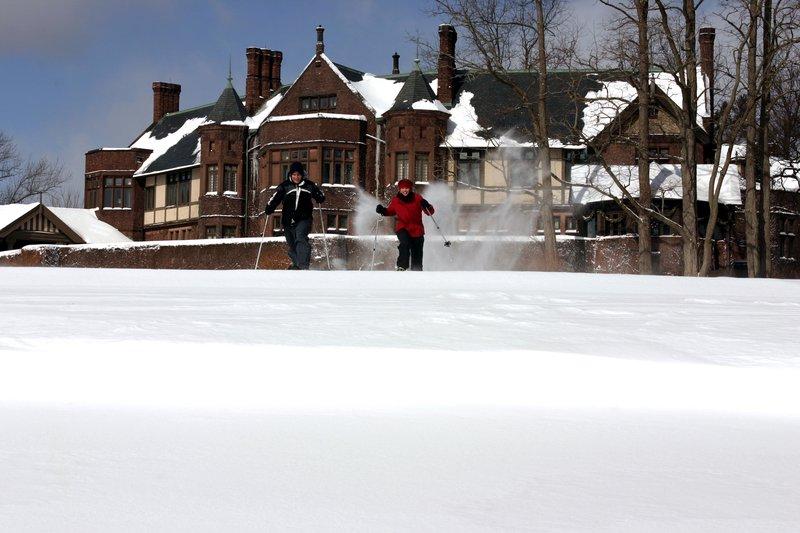 snow_shoeing_at_blantyre.jpg
