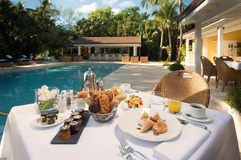 tortuga_bay_bamboo_restaurant__pool_breakfast_closeup.jpg