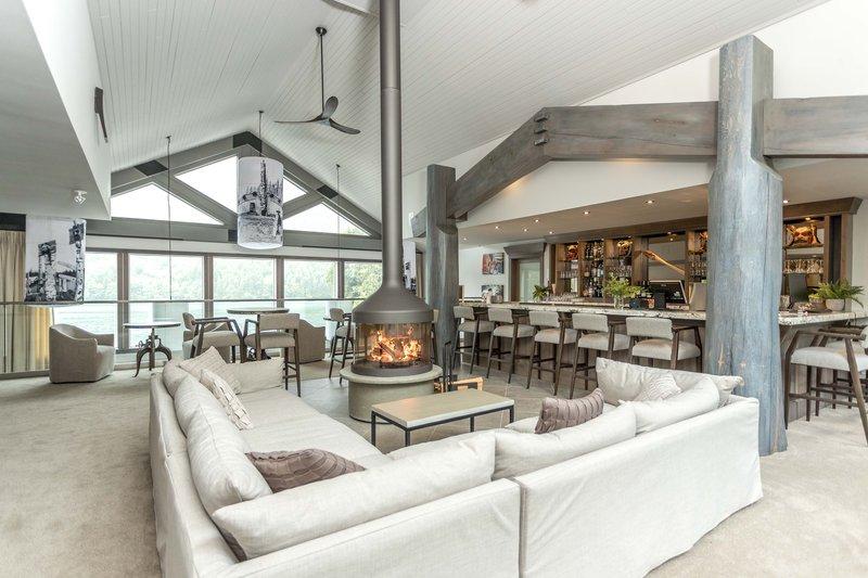 oceanhouse_-_lounge.jpg