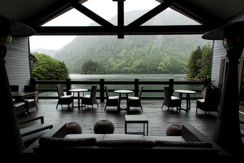 oceanhouse_-_outdoor_patio.jpg