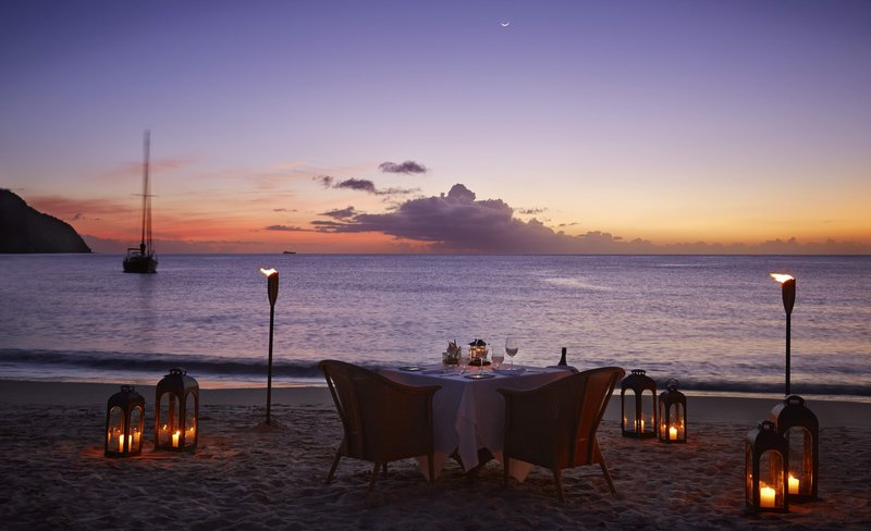 private_dining_on_the_beach.jpg