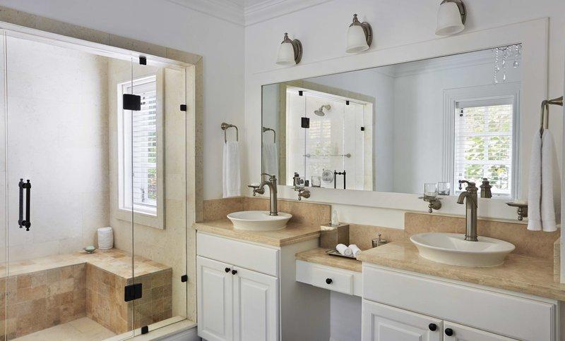 superior_luxury_cottage_bathroom.jpg