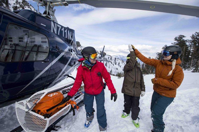 heli_skiing.jpg