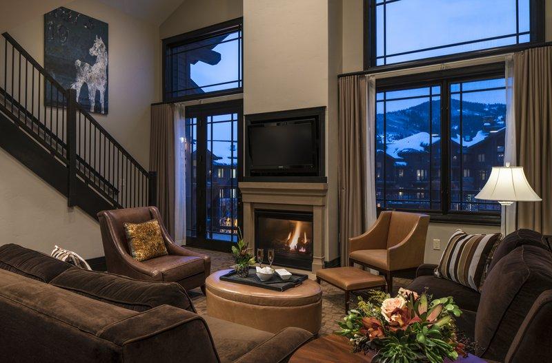 four_bedroom_bi-level_evening_living_room.jpg