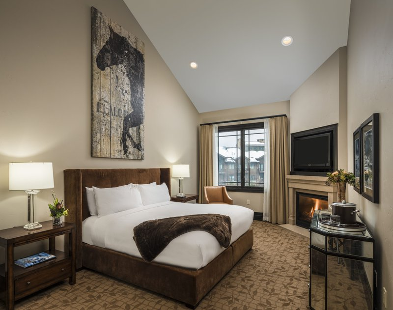 four_bedroom_bi-level_suite.jpg