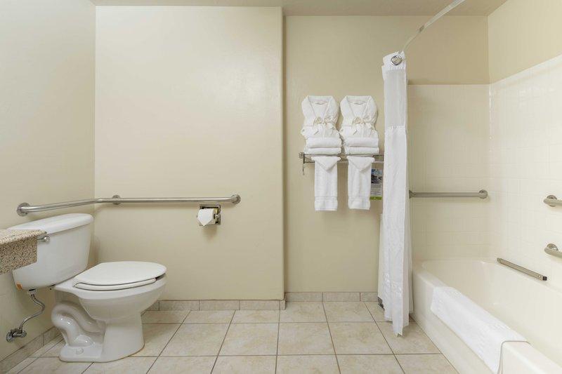 ada_bathroom_1.jpg