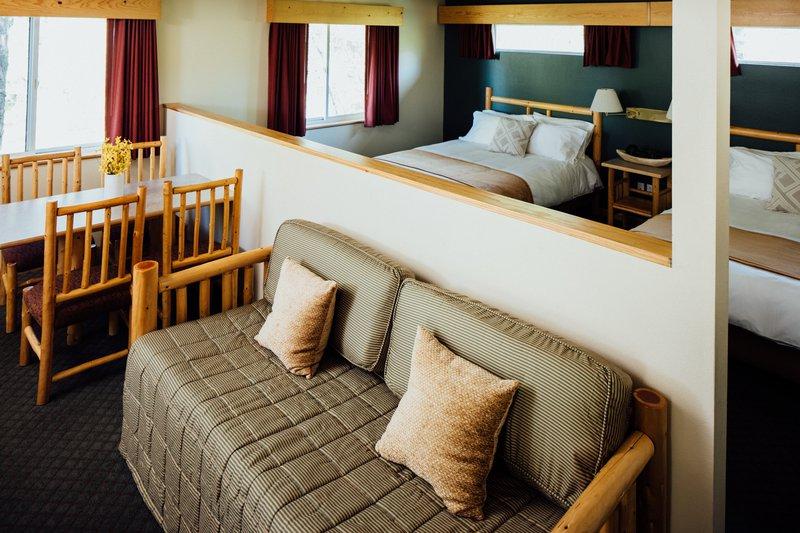 suite_room_2e1a0390.jpg