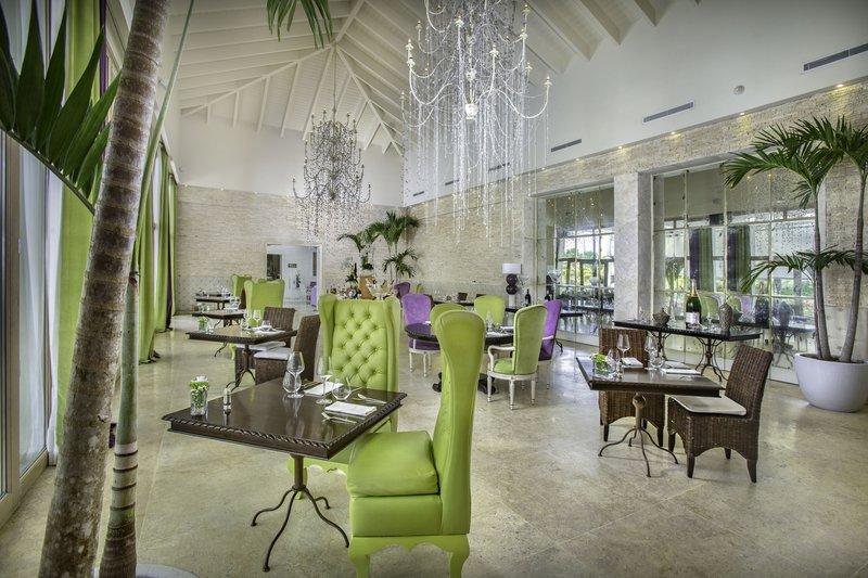 dining_eden_roc_cap_cana_mediterraneo_restaurant_interio.jpg