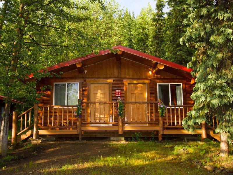 kantishna_roadhouse-cabins-2.jpg