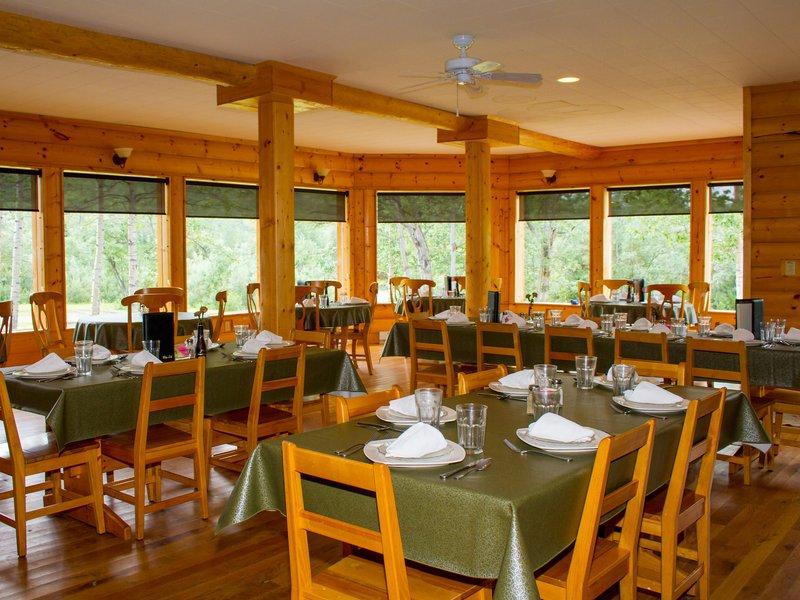 kantishna_roadhouse-dining-room-2.jpg
