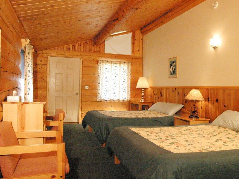 kantishna_roadhouse-interior-room.jpg