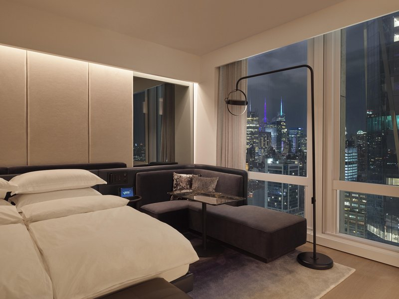 deluxekingcity_room-cityview.jpg