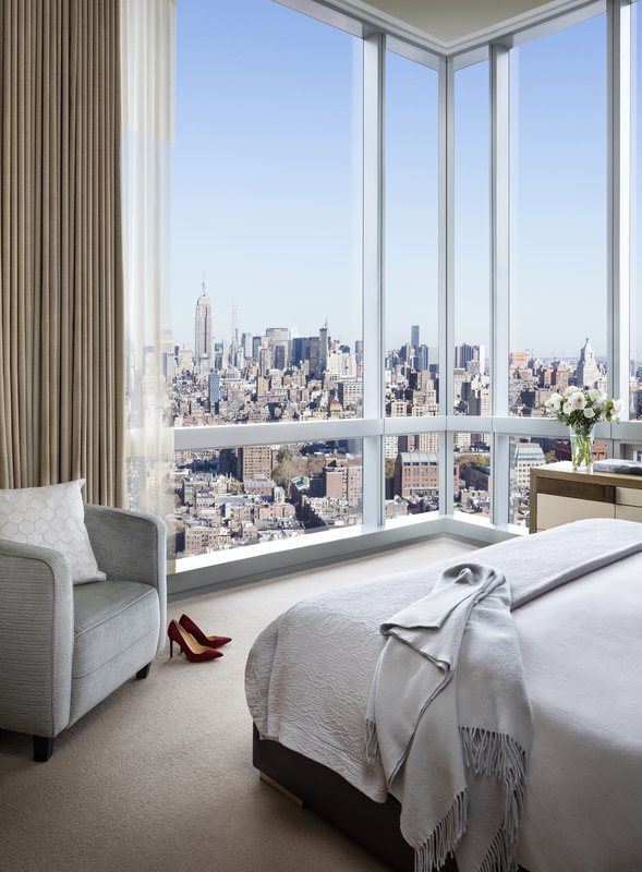 soho_day_bedroom_withshoes_sfrances_151111_7966_242m_xl_r1a.jpg