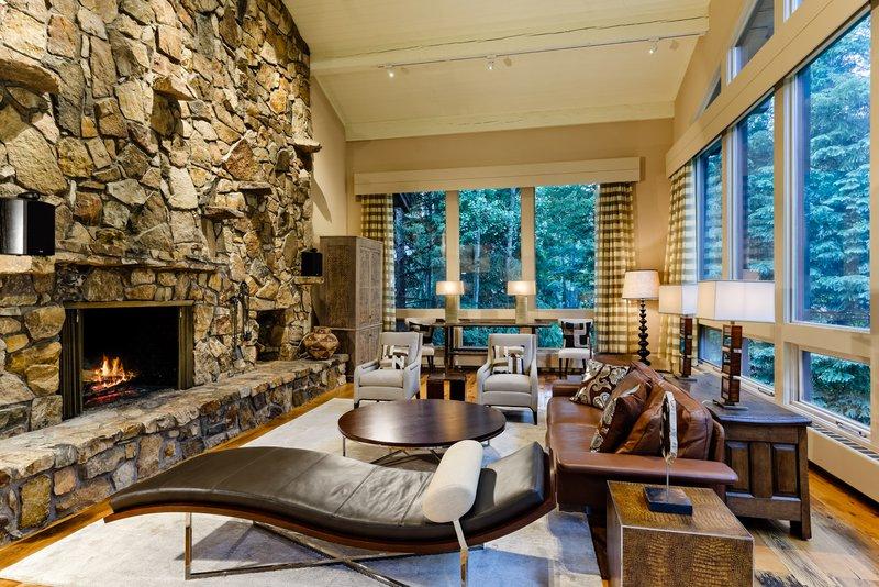 avanti-2-living-room.jpg