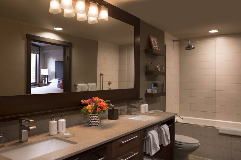 hotel_terra_jr_suite_bathroom_1.jpg