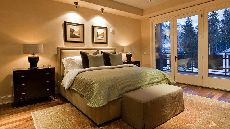 e52-gallery-bedroom.jpg