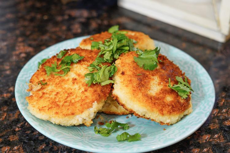 Photo of crab cakes on a plate.