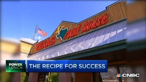 Texas Roadhouse Pulls In Diners With Old Recipe