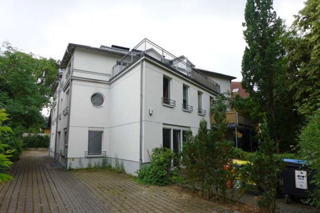 berlin-aqg5s6bedy.jpg