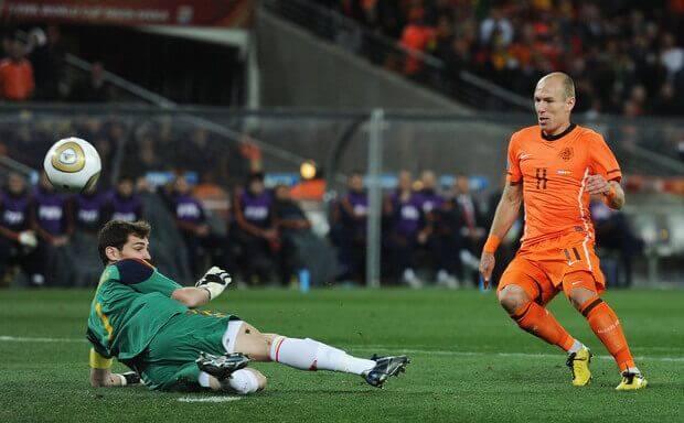Iker Casillas parada Robben Mundial Sudáfrica 2010