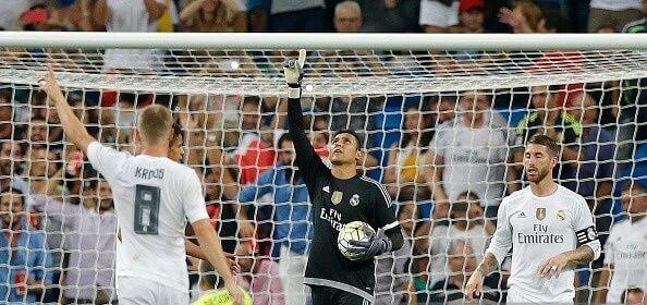 Keylor Navas da gracias a Dios por parar el penalti