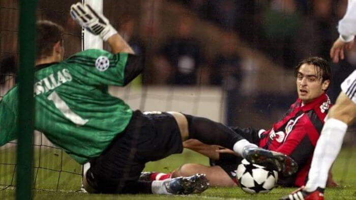 Iker Casillas paradón Berbatov Bayer Leverkusen Real Madrid