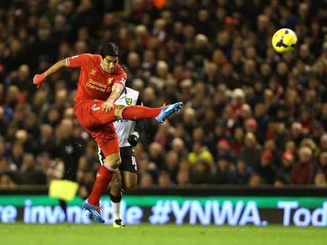 Luis Suárez volea Liverpool Norwich