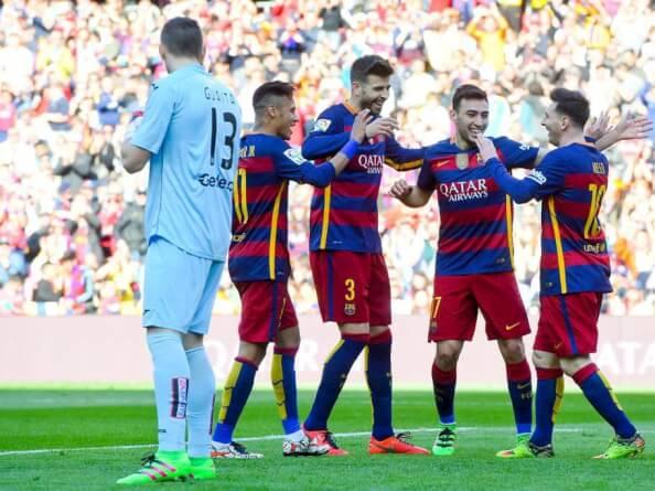 Guaita mira desquiciado como celebran los goles los azulgrana