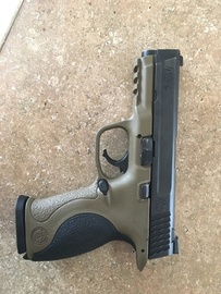 M&P 40 at Gunhive.com
