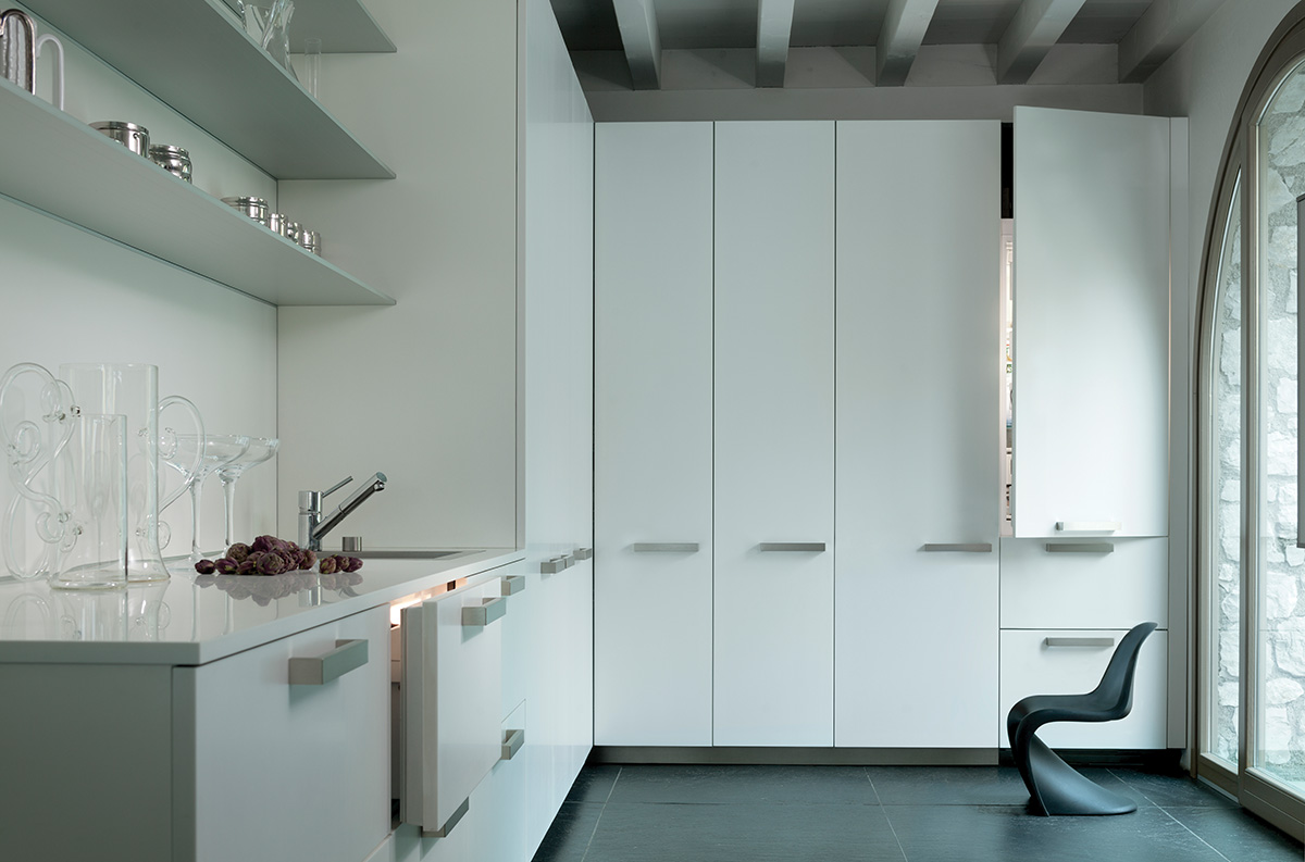 Achieve a Minimalist Look with Sub-Zero in Your Kitchen