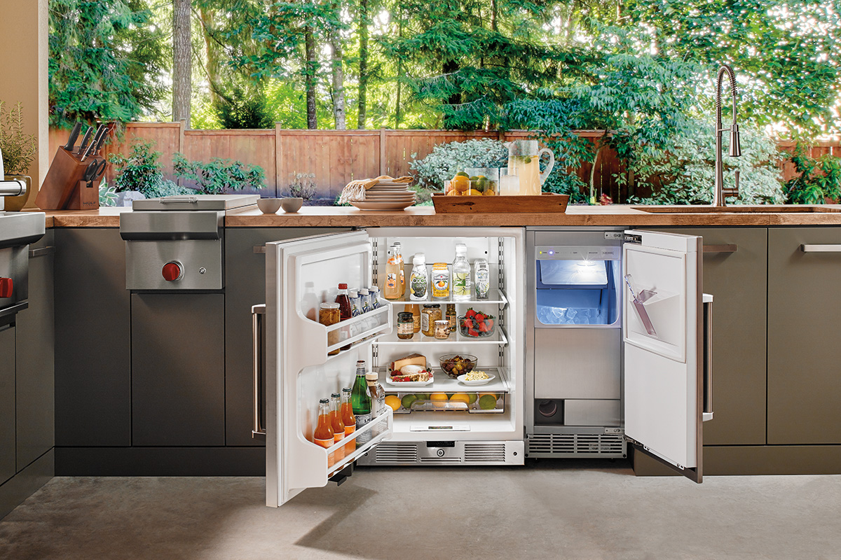 Sub-Zero Wolf Outdoor Kitchen