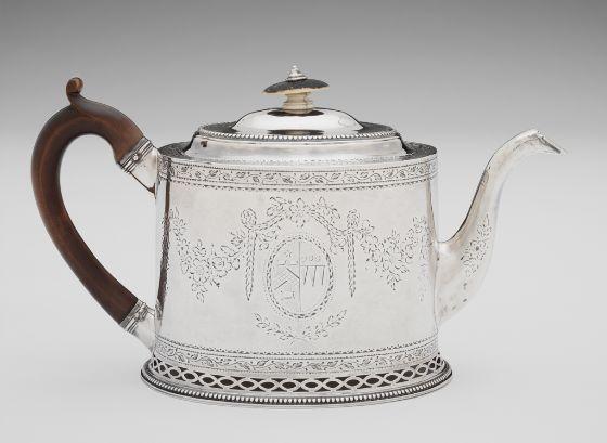 Hester Bateman, Teapot, 1779–80, Harvard Art Museums/Fogg Museum.